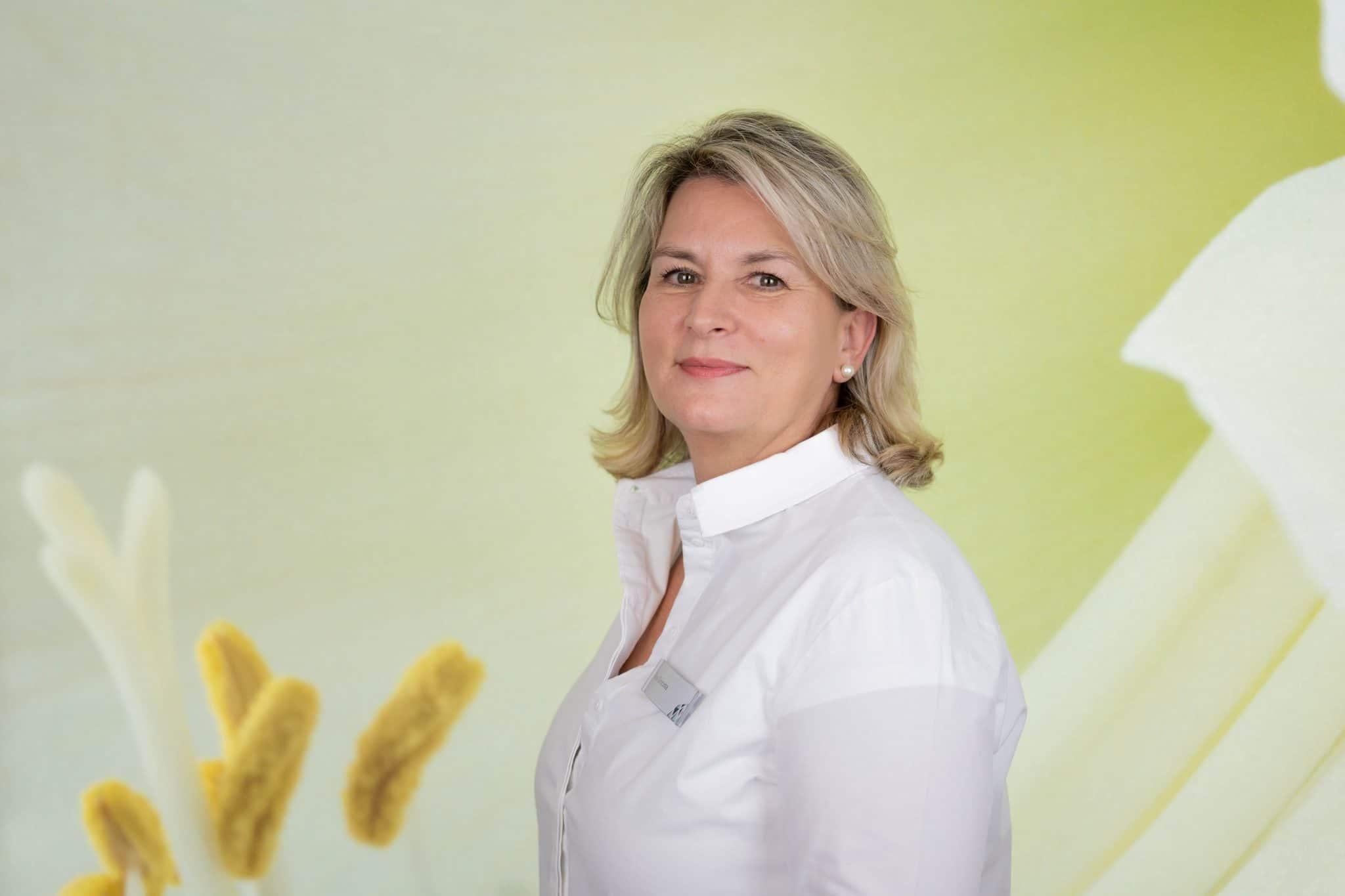 Rosi Simonte Portrait Baden-Baden Privatpraxis Dr. König